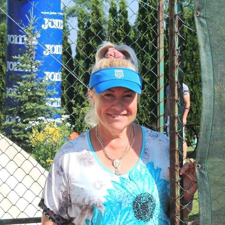 Ісакова (Бондаренко) Наталія Володимирівна – радянська і українська тенісистка та тренер, МС по тенісу